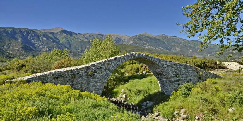 Πέτρινα γεφύρια - Ελληνικός Ορειβατικός Σύλλογος Καβάλας